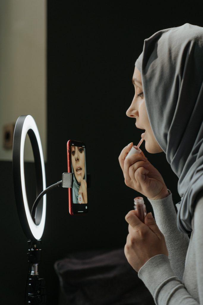 "Product Review: Hama LED ""SpotLight Foldup"""